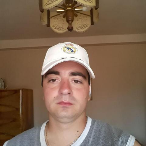Zsolti, 30 éves társkereső férfi - Baktalórántháza