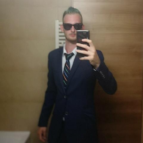 Zoli, 22 éves társkereső férfi - Vác