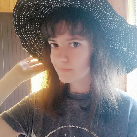Rebeka, 20 éves társkereső nő - Eger