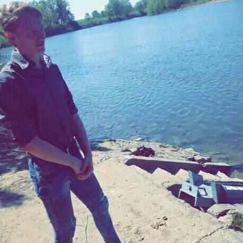 Gergő, 22 éves társkereső férfi - Dombrád